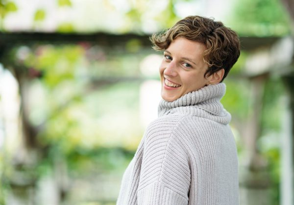 Dr. Janna Scharfenberg zeigt dir, wie du den Ayurveda dauerhaft entspannt leben kannst
